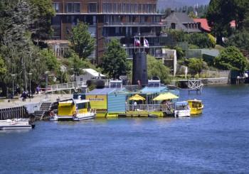 El Barrio Flotante ya está instalado en el muelle Schuster de Valdivia